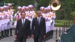 Obama Begins Vietnam Visit