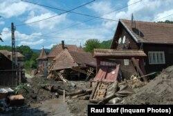 În Ocoliș, Alba, ploile și vijeliile au distrus trei case, iar altele 20 au fost grav avariate.