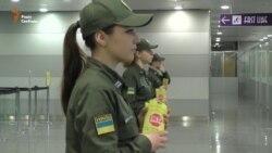 В аеропорту «Бориспіль» прикордонники роздають антикорупційні флаєри (відео)