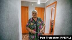 Галина Аршинцева в прихожей своей квартиры. Город Есиль, 30 июля 2020 года.