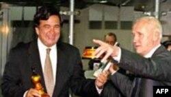 Бывший начальник российского атома прошел огонь, и воду, и «Матросскую тишину». На фото: с американским коллегой Биллом Ричардсоном в 1999 году