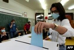 Na izborima je, kaže Puhovski, posebno ojačala pozicija neovisnih kandidata (fotografija sa lokalnih izbora u Hrvatskoj)
