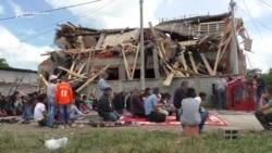 Molitva pred srušenom džamijom