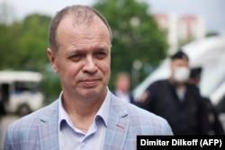 Иван Павлов около Мосгорсуда в июне 2021 года