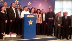 Заев - Власта прислушувала над 100 новинари
