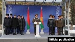 Лукашэнка на базе АМАПу, Менск.