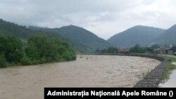 Râul Oituz pe 19 iunie (Administrația Națională Apele Române).
