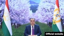 Телевизионное послание Эмомали Рахмона по случаю праздника Навруз. Согласно метадате фотография сделана 12 марта, за 9 дней до Навруза