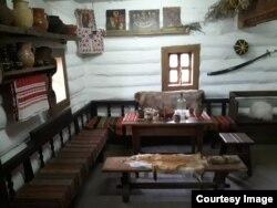Реконструкція будинку кошовго отамана на острові Хортиця
