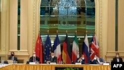 Գերմանիայի, Ֆրանսիայի, Բրիտանիայի, Չինաստանի, Ռուսաստանի և Իրանի պատվիրակները քննարկում են միջուկային համաձայնությունը վերականգնելու հնարավորությունը, «Գրանդ Հոթել» հյուրանոց, Վիեննա, 1 մայիսի, 2021թ.
