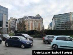 Ebben az épületben vásárolt meg egy teljes emeletet a Fidesz alapítványa 2020 szeptemberében.