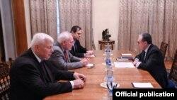 ԵԱՀԿ գործող նախագահի անձնական ներկայացուցիչ Անջեյ Կասպշիկը, Մինսկի խմբի համանախագահներ Իգոր Պոպովը (ՌԴ), Էնդրյու Շոֆերը (ԱՄՆ) և ՀՀ ԱԳ նախարար Զոհրաբ Մնացականյանը, արխիվ