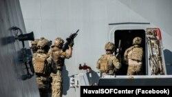 Украинско-британская сводная абордажная группа специальных операций на британском эсминце Defender, 22 июня 2021 года (иллюстрационное фото)