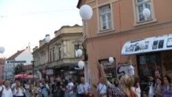 """""""Don Kihot"""" u Tuzli-performans s porukom ljubavi, mira i suživota"""