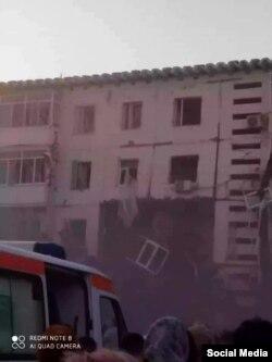 В социальных сетях опубликовали фото обрушенного дома