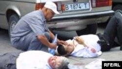 Жыргалбек Сурабалдиевди Бишкекте чак түштө атып кетишкен. 2005-жыл, 10-июнь