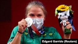 Штангистка Полина Гурьева, завоевавшая первую в истории независимого Туркменистана медаль – серебряную.
