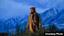 په فلم کې افغان ستوري ببرک اکبري هم کار کړی.