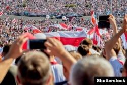 Під час «Маршу свободи» в Мінську, 16 серпня 2020 року
