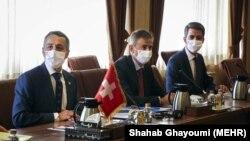وزیر خارجه سوئیس (چپ) در خلال دیدار با محمدجواد ظریف در تهران