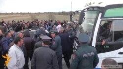 Խաղողագործները կրկին փակել են Երևան – Մեղրի ճանապարհը