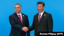 Унгарскиот премиер Виктор Орбан со кинескиот претседател Си Џинпинг на форумот за иницијатива Појас и пат во 2019 година.