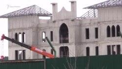 В Симферополе продолжают возводить админздание Соборной мечети (видео)