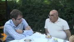 Niyazi Mehdi Almaniyada yaşayan oğlu ilə görüşdü