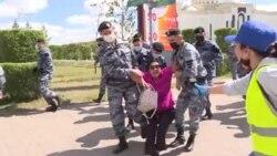 Протесты в столице: участницу акции увезли на скорой