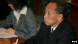 لی جائو شينگ، وزير امور خارجه چين، ابراز اميدواری کرد که گفت و گو های شش جانبه در باره بحران اتمی کره شمالی از سر گرفته شود.