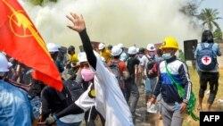 Протести у М'янмі: понад 50 людей загинули, більш ніж 1700 затриманих (фоторепортаж)