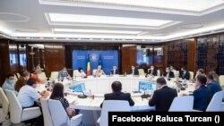 Romania, Discuții la Guvern cu reprezentanții universităților și a studenților