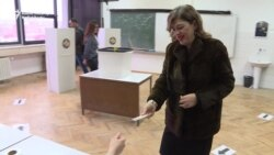 Kosovars Vote In Mayoral Runoffs