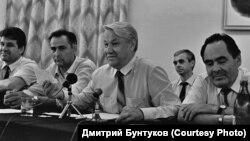 Ельцин Казанда татар зыялылары белән очраша, 6 август 1990