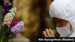 Преживеаните се молеа за жртвите и се сеќаваа на своите најблиски со минута молчење