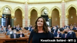 Az Országgyűlés plenáris ülése (korábbi felvétel)