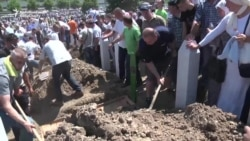 Another 127 Victims Of Srebrenica Massacre Buried in Bosnia