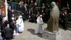 Папа Римський Франциск вшанував у Скоп'є пам'ять матері Терези – відео