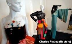 Pierre Cardin tervezte ruhák saját párizsi múzeumában