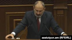Премьер-министр Армении Никол Пашинян в парламенте, Ереван, 24 августа 2021 г.