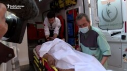 Wounded Syrian Civilians Pour Into Turkey
