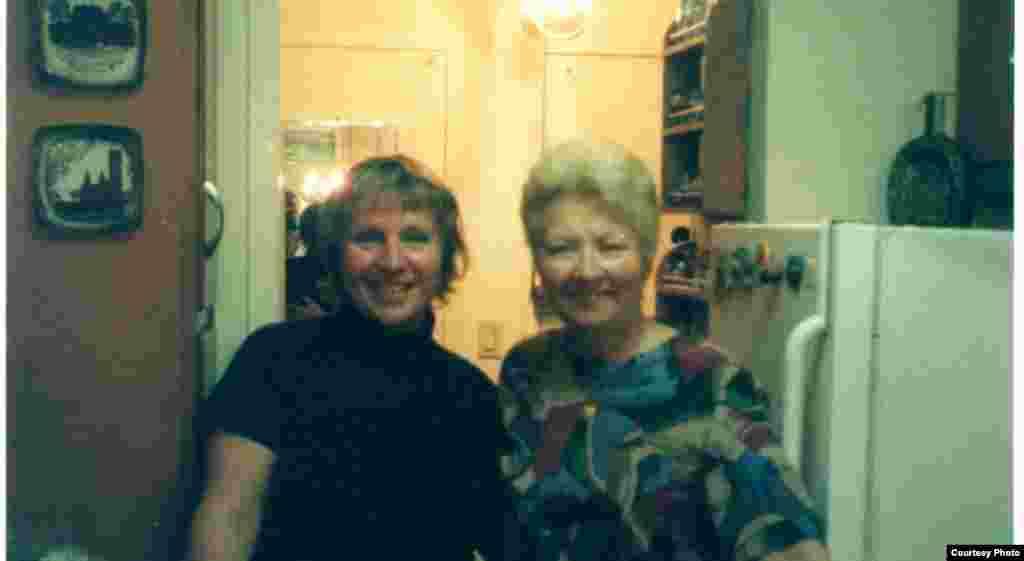 Алена Радкевіч і Юлія Андрусышын, Нью-Ёрк, 2004 год.