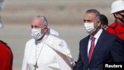 Папа Франциск и премьер-министр Ирака Мустафа аль Казыми, 5 марта 2021 года