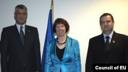 Hašim Tači, Ketrin Ešton i Ivica Dačić u Briselu, novembar 2012.