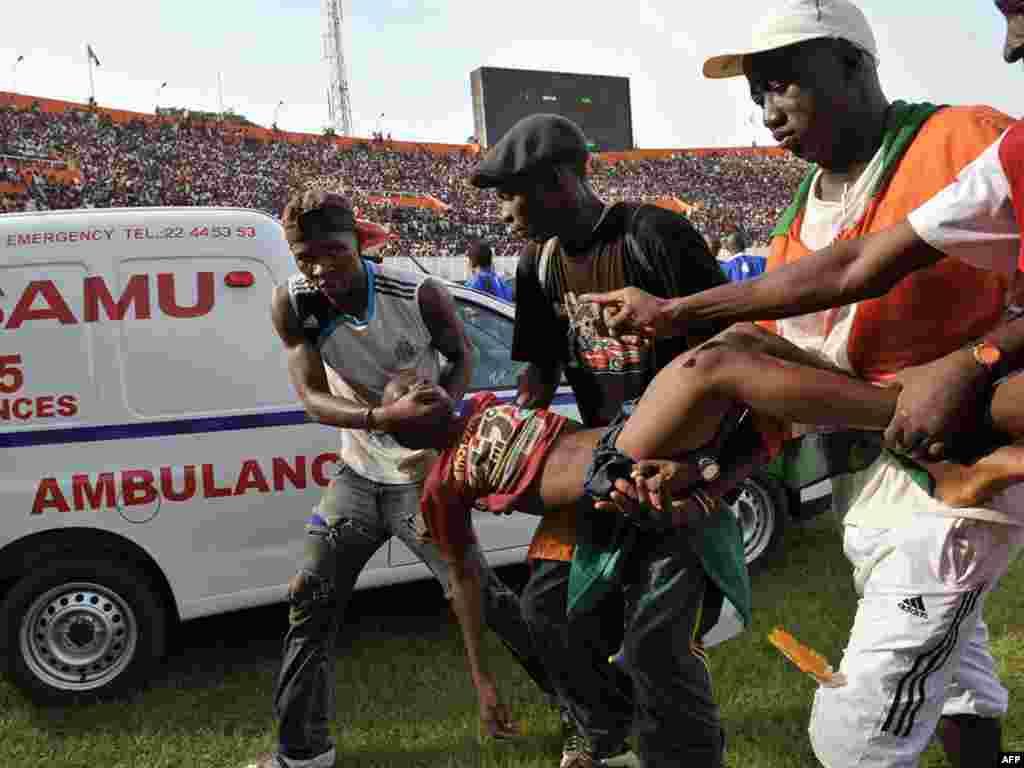 В Республике Кот-д'Ивуар 22 человека погибли и более 130 были ранены в давке на стадионе в городе Абиджан