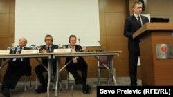 Igor Lukšić na konferenciji, 13. maj 2013.