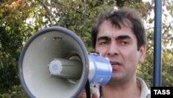 Хаджимурат Камалов полициянең хокук бозуларына каршы митингта чыгыш ясый