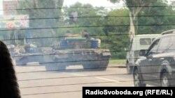 Танки у Кіровському районі Донецька, 17 серпня
