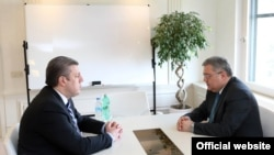 На встрече со спикером парламента Давидом Усупашвили премьер-министр Георгий Квирикашвили подтвердил, что все министры-«республиканцы» остаются на своих постах