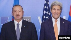 John Kerry və İlham Əliyev